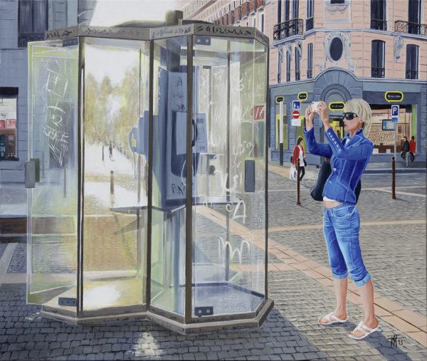 cabine téléphonique, galerie venturini, Jeans, jeune femme, JJV, pavés, smartphone, tags, ville, voie piétonne